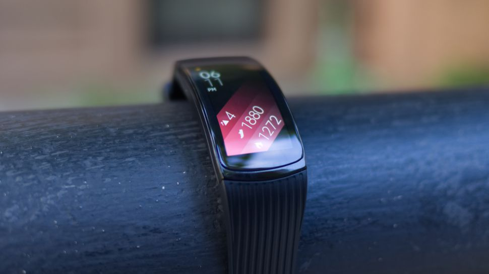 Choosing The Right Smartwatch: Review Of The Samsung Gear Fit 3