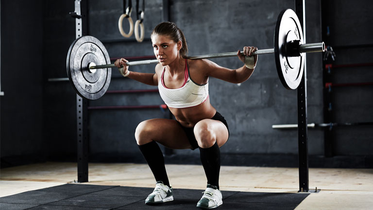 woman weightlifitng